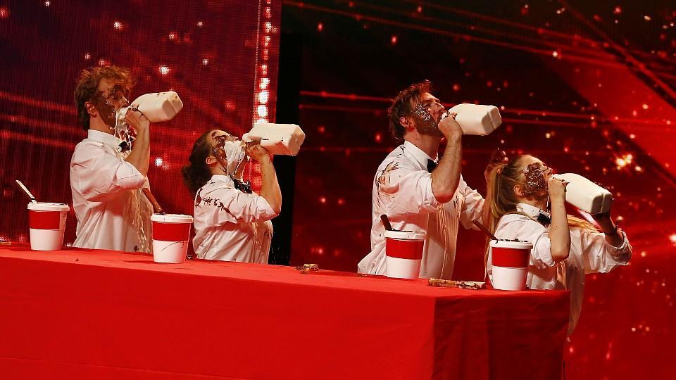 'The Chew Crew' aus Amerika präsentieren eine Nutella-Comedy-Performance.