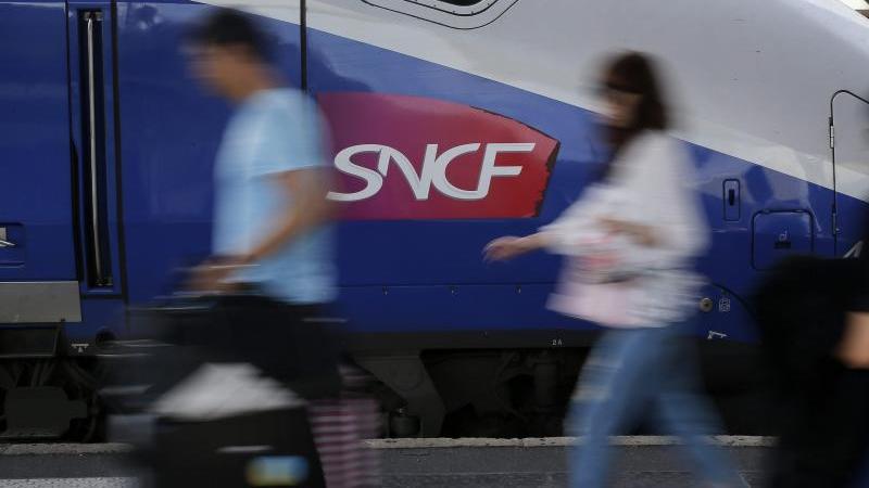 Auf der Webseite der Deutschen Bahn können Reisende nun auch viele Tickets der französischen SNCF-Gruppe buchen. Foto: Yoan Valat