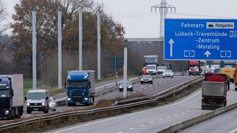 Auf der A1 Richtung Lübeck könnte es wegen Baustellen zu Behinderungen kommen. Foto: Markus Scholz