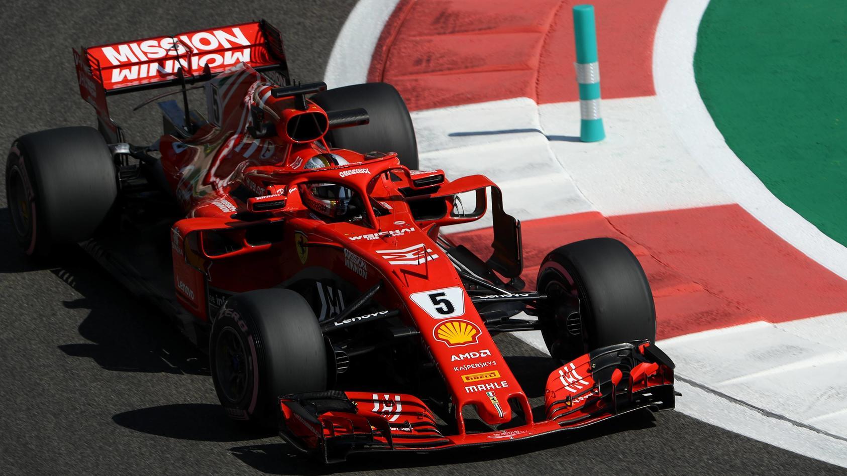 Sebastian Vettel kämpft im Ferrari um den Anschluss