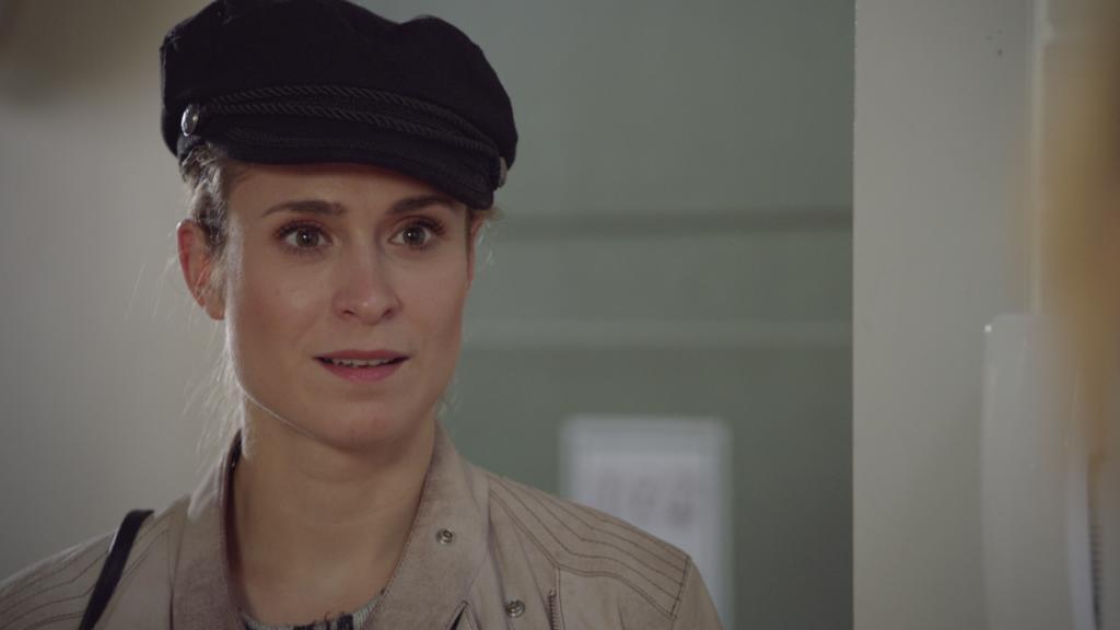 Sophie wird sich ihrer Gefühle für Jonas bewusst: Sie ist verliebt.