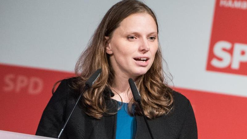Melanie Leonhard
