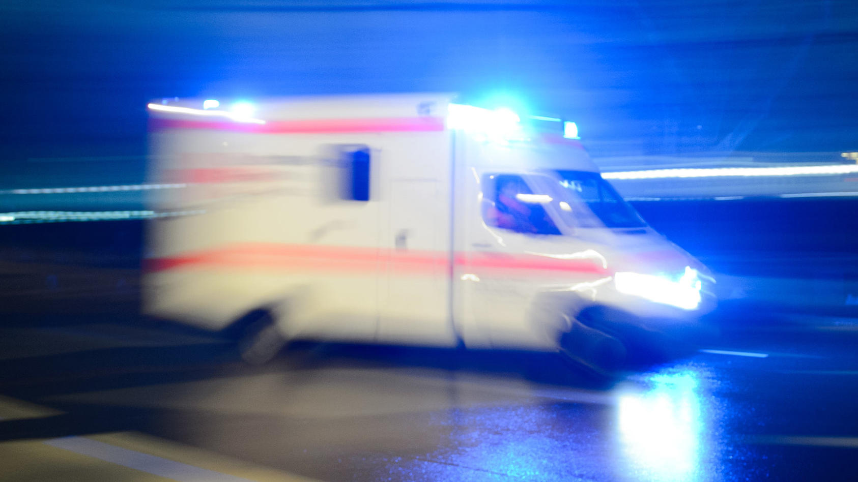 Nach einer handfesten Auseinandersetzung mit seinem 49 Jahre alten Nachbarn ist ein 55 Jahre alter Mann aus Köln-Dünnwald gestorben. (Symbolbild)