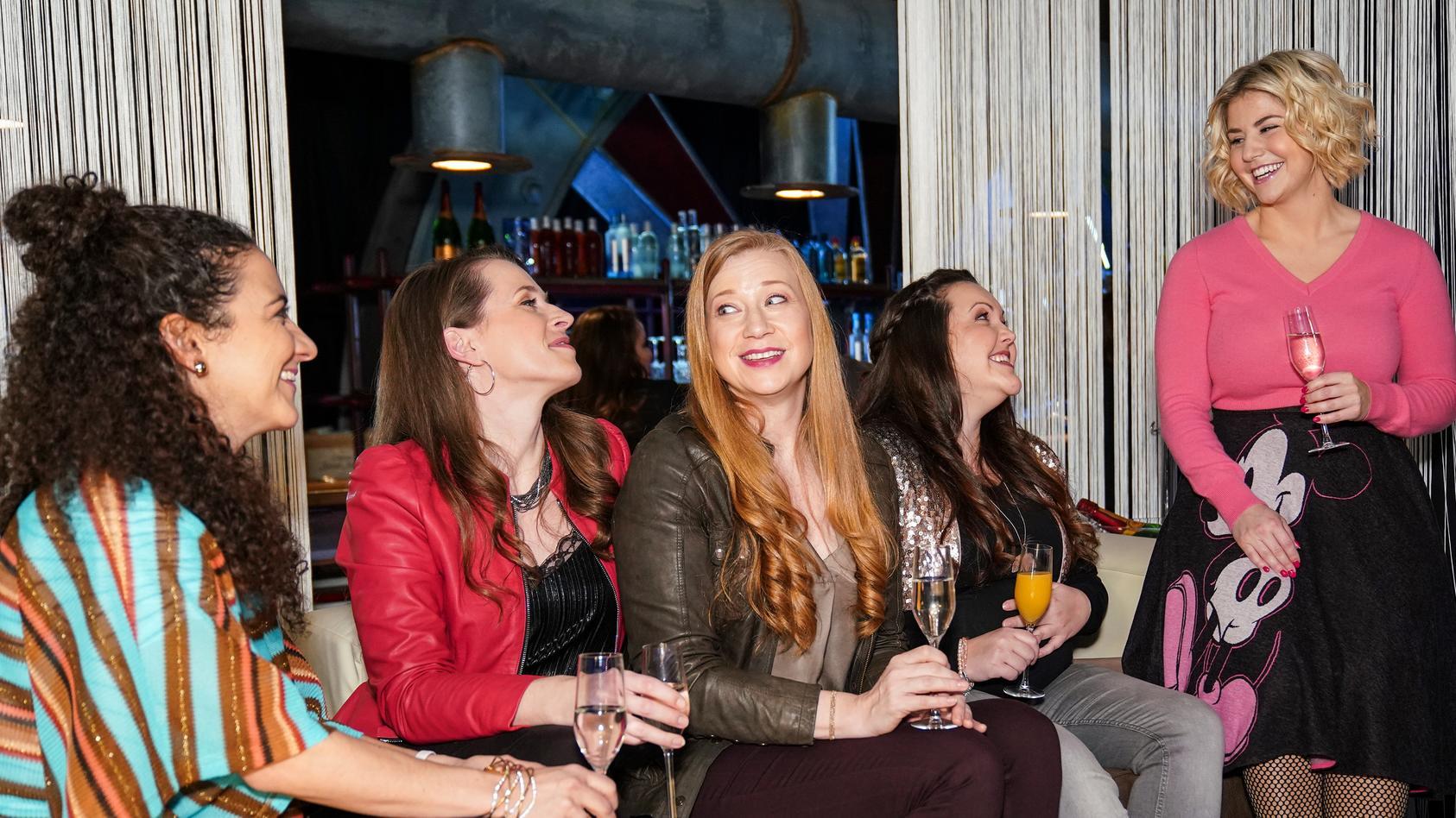 Kaya, Heike, Tina und Nadine sind große Fans von Beatrice Egli.