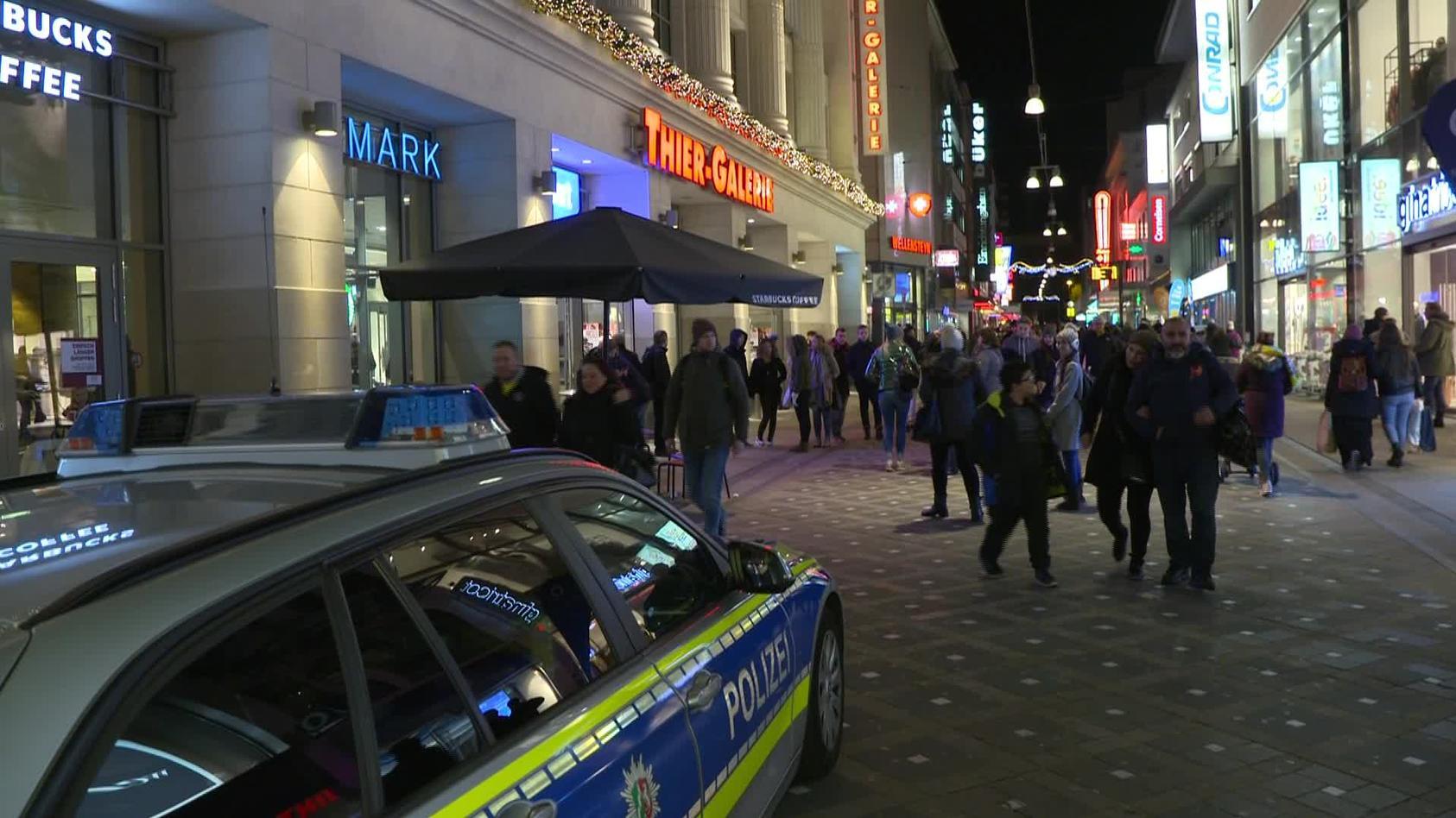 Böller verursachen Panik in einem Einkaufszentrum in Dortmund