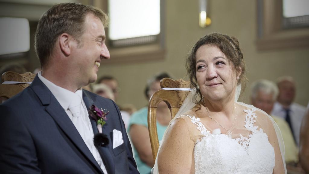"""Nur wenige Wochen nach der standesamtlichen Trauung, hat das """"Bauer sucht Frau""""-Paar Nadine und Benny jetzt auch vor Gott """"Ja"""" zueinander gesagt. In der evangelischen Kirche Stühlingen wurden der Landwirt und die Erzieherin getraut."""