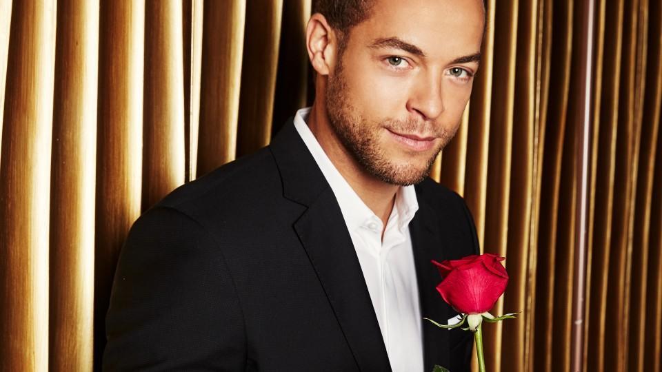 Auf eine Rose von Bachelor Andrej Mangold hoffen 20 Single-Frauen.