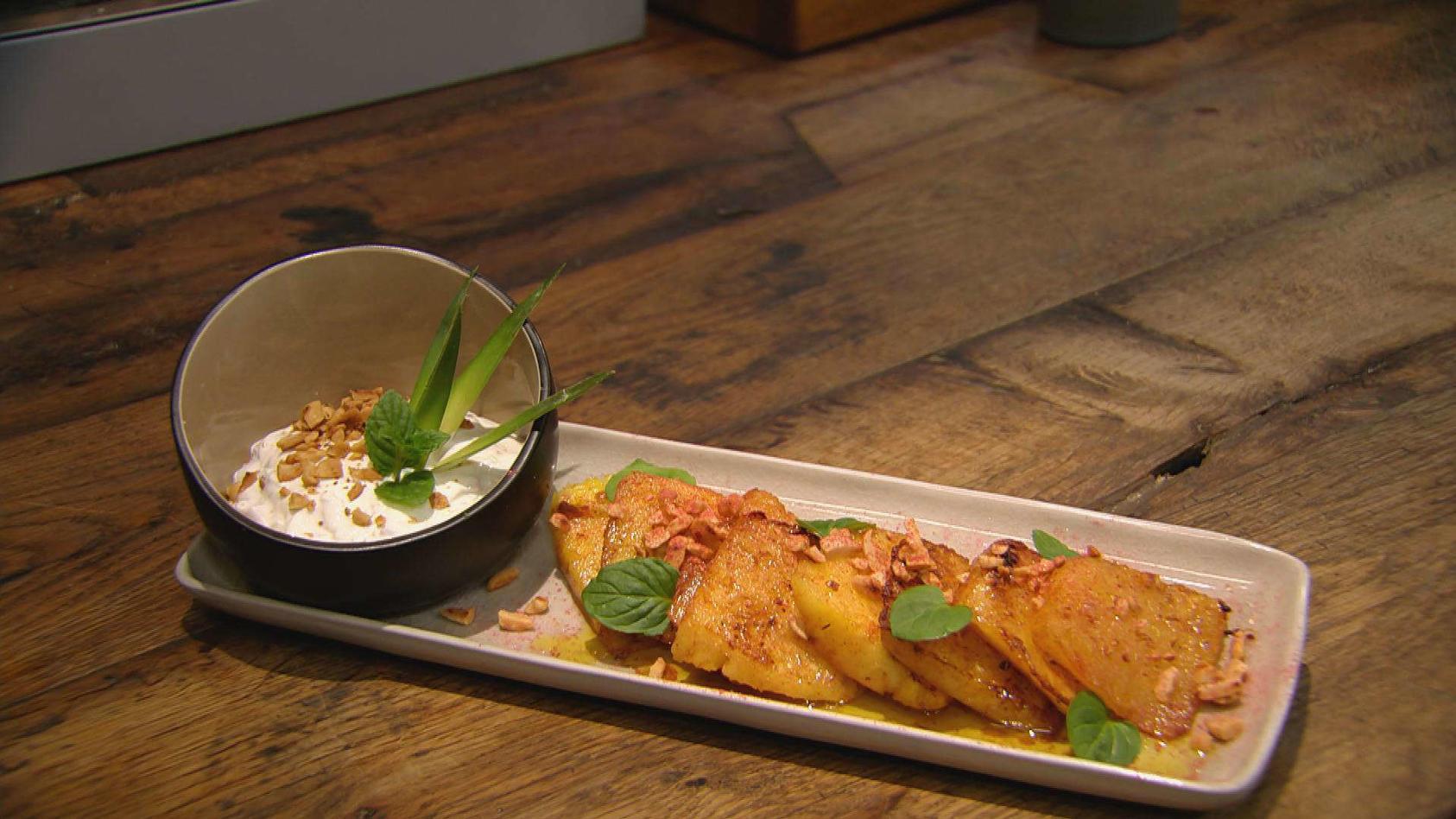 Sugar & Spice – Süß trifft herzhaft: Gebratene Ananas mit Erdnüssen