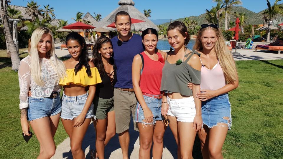 Noch kämpfen 6 Frauen um die letzte Rose: Jade, Nathalia, Eva, Steffi, Jenny und Vanessa.