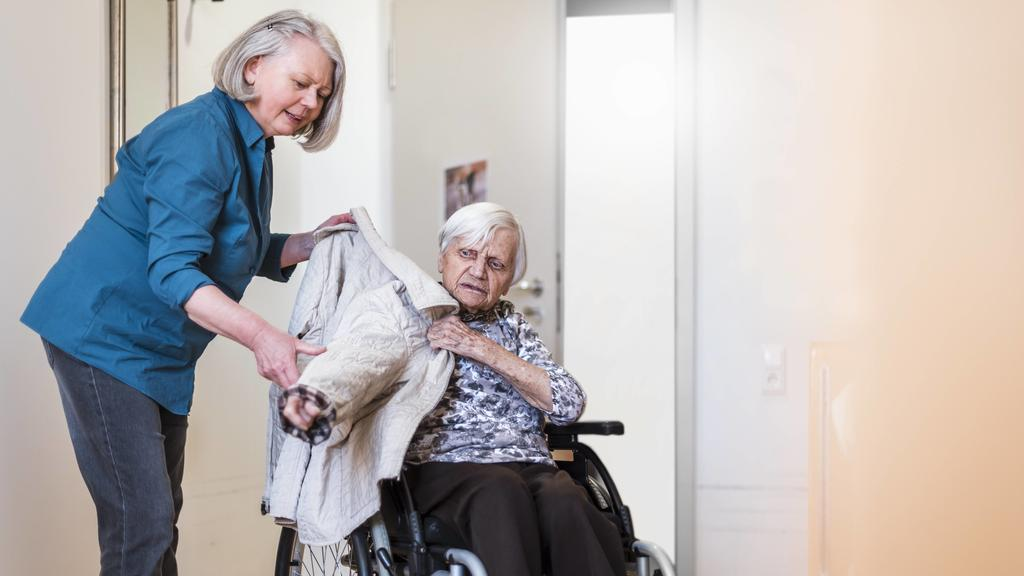 Pflegekraft aus dem EU-Ausland anheuern: Das müssen Sie beachten!