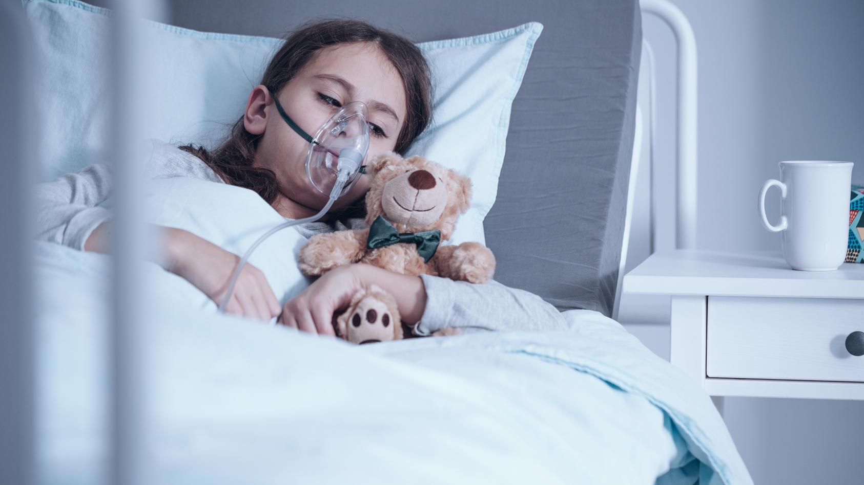 Das Münchhausen-Stellvertreter-Syndrom ist eine Psychose, bei der Mütter ihre Kinder aus Liebe krank machen.