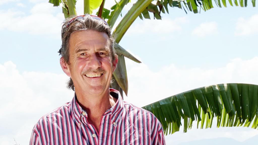 """Tom (59) sucht bei """"Bauer sucht Frau International"""" eine Frau, die das Leben genießt."""