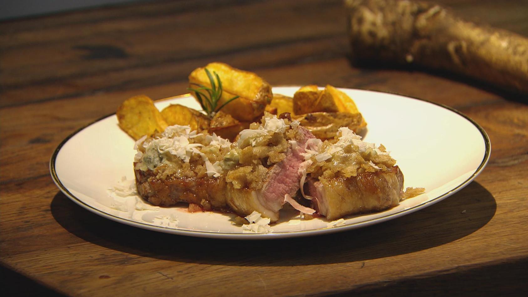 Schneeweißchen & Rosenrot – Märchenhaft lecker!: Rumpsteak mit Haube und Kartoffelecken
