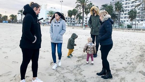 Für Jens Angehörige Joelina, Jada, Diego, Jenna, Volkan (hinten) und Daniela (v.l.) steht die Welt still.