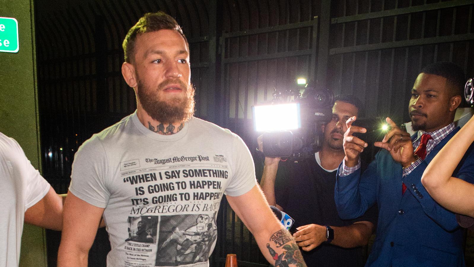So schnell wie er drin war, war er auch wieder draußen: Conor McGregor wird aus dem Gefängnis entlassen.