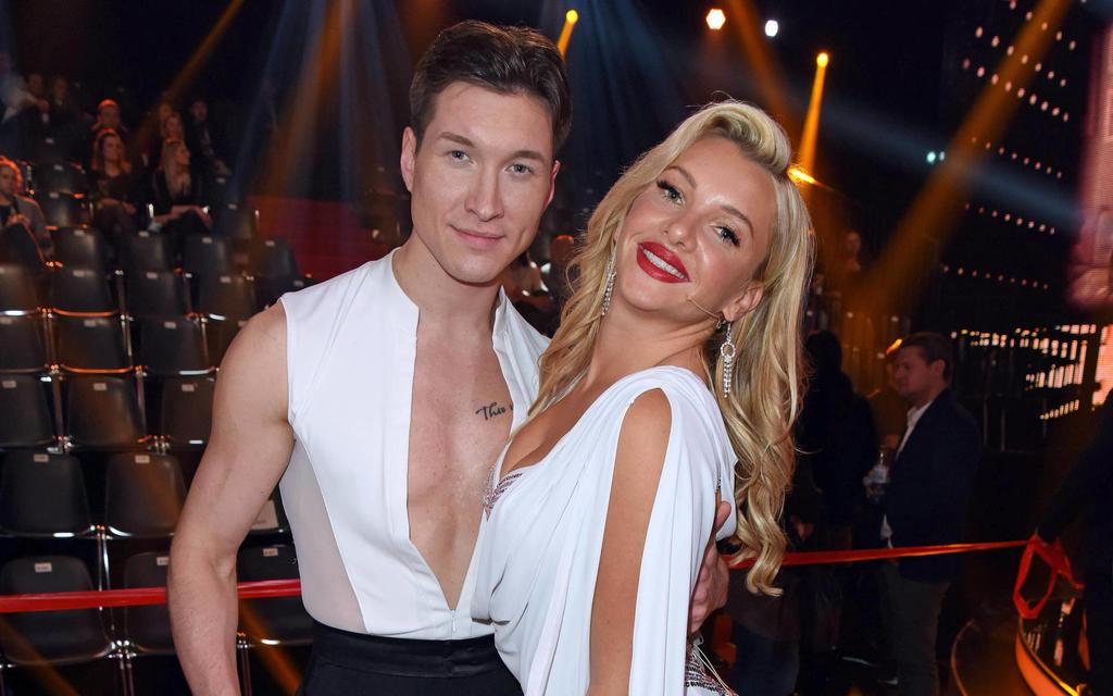 Durch Tanzpartner Evgeny hat Evelyn ihre Liebe zum Tanzen entdecken.