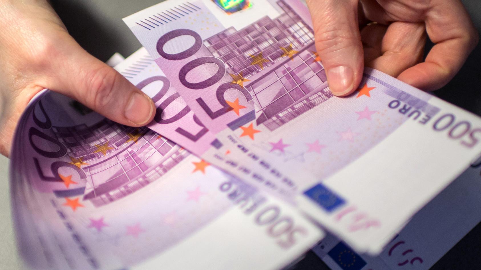 Eltern der Frau hatten dem Paar beim Hauskauf mehr als 100.000 Euro geschenkt.