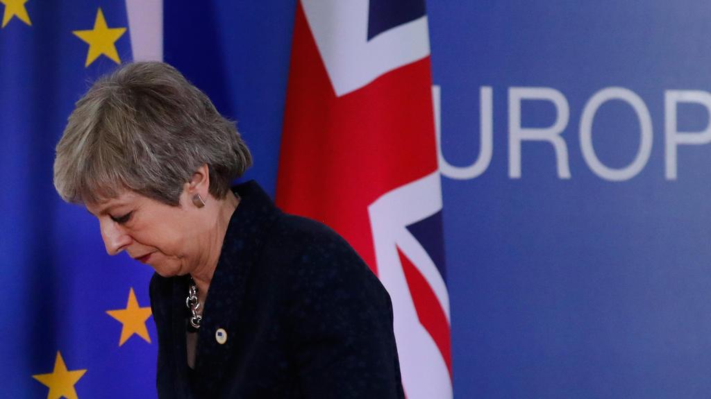 21.03.2019, Belgien, Brüssel: Theresa May, Premierministerin von Großbritannien, verlässt eine Pressekonferenz im Rahmen des EU-Gipfels. (Wiederholung mit verändertem Bildausschnitt) Foto: Frank Augstein/AP/dpa +++ dpa-Bildfunk +++