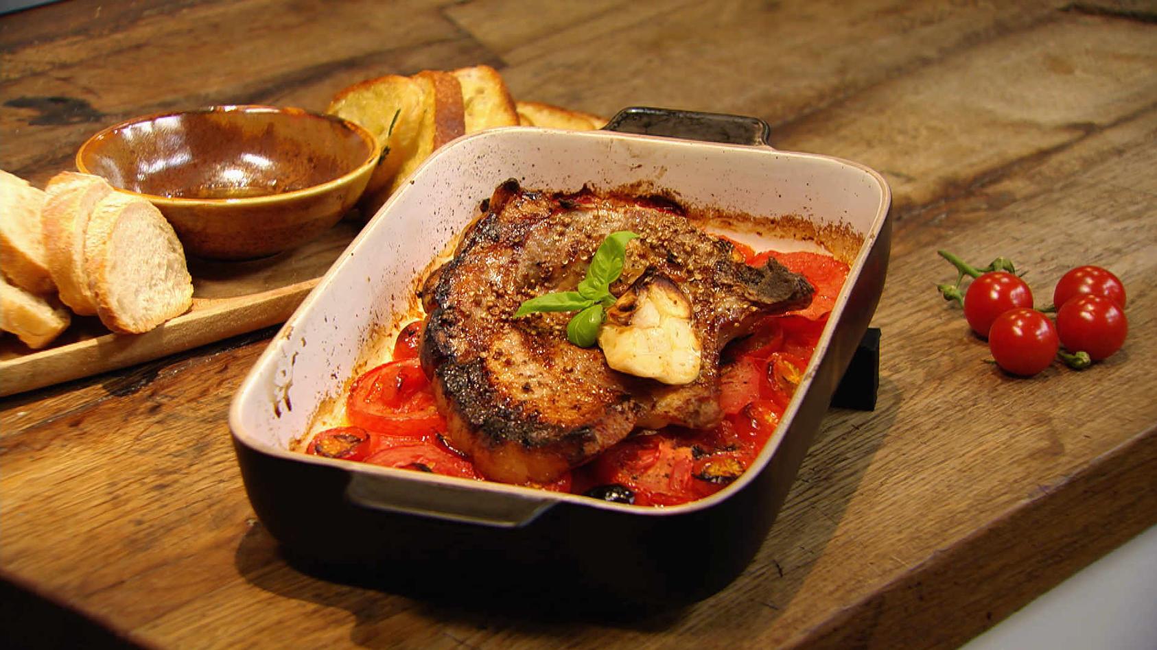 Einfach Tomatastisch!: Schmortomaten mit Koteletts