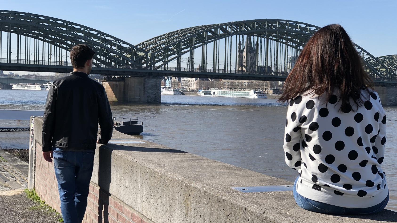 Kolumnistin Tina Tinderina schreibt über ihre Erfahrungen mit der Dating-App
