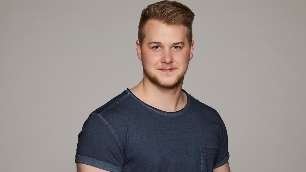 Felix van Deventer spielt Jonas Seefeld bei GZSZ.