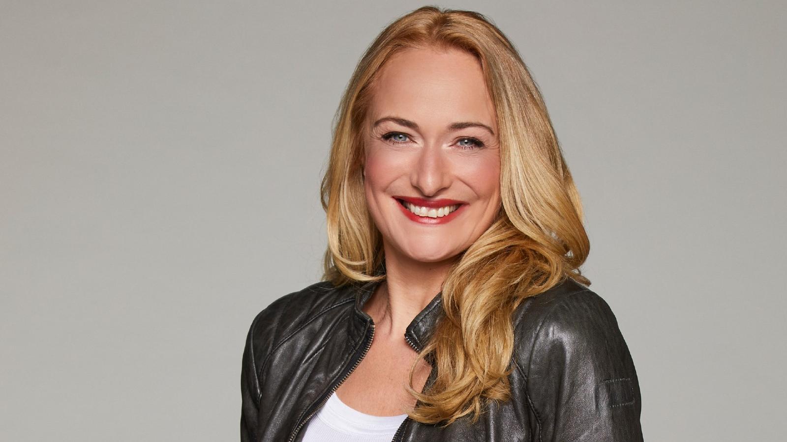 GZSZ: Untenrum nackt? Eva Mona Rodekirchen verwirrt die Fans