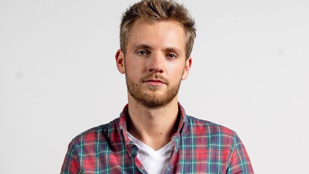 Niklas Osterloh spielt bei GZSZ Paul Wiedmann.