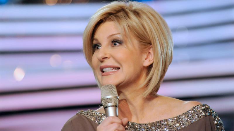 Willkommen Bei Carmen Nebel Moderatorin Geht Das Ende Ihrer Show Nahe