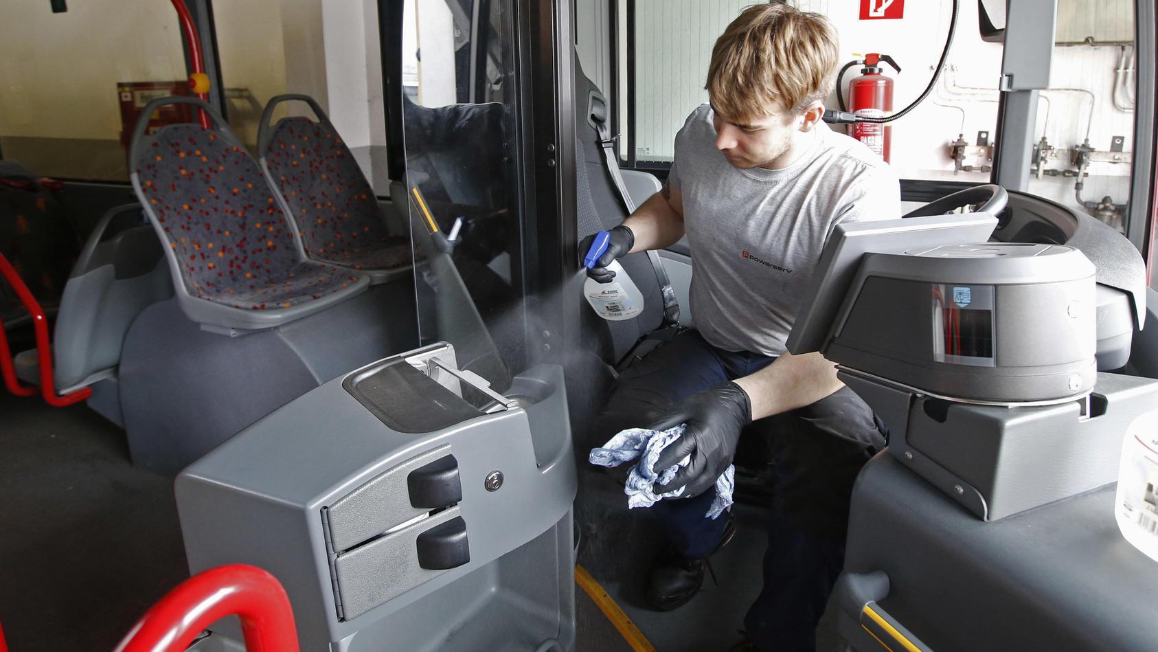 Nachdem ein Fahrer an Masern erkrankt war, hat die österreichische Stadt Klagenfurt den Busbetrieb eingestellt.