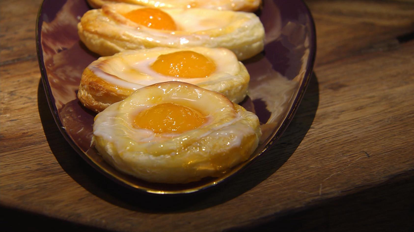 Feiertagsideen für ein buntes Ostermenü: Süße Blätterteig-Spiegeleier