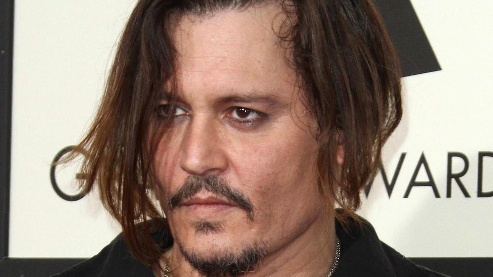 Mit seinem Blut soll Johnny Depp Nachrichten an die Wände geschrieben haben.