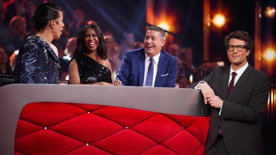 """Die """"Let's Dance""""-Jury ist bereit – aber wie gut kennen Sie die Tanzshow?"""