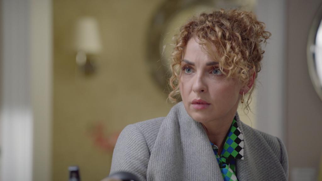 Nina muss sich entscheiden, ob sie die Nähe zu Robert zulassen will.
