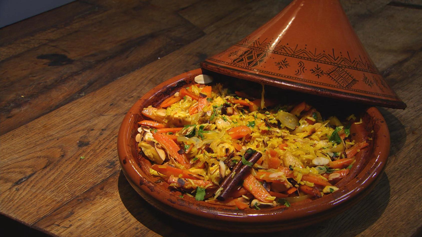 Mit 'nem Löffelchen Zimt und Zucker:  Aromahähnchen mit Safran-Mandel-Reis