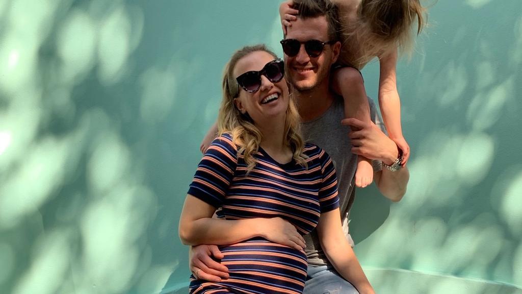 Ania Niedieck zusammen mit ihrem Mann Chris und Töchterchen Charlotte.
