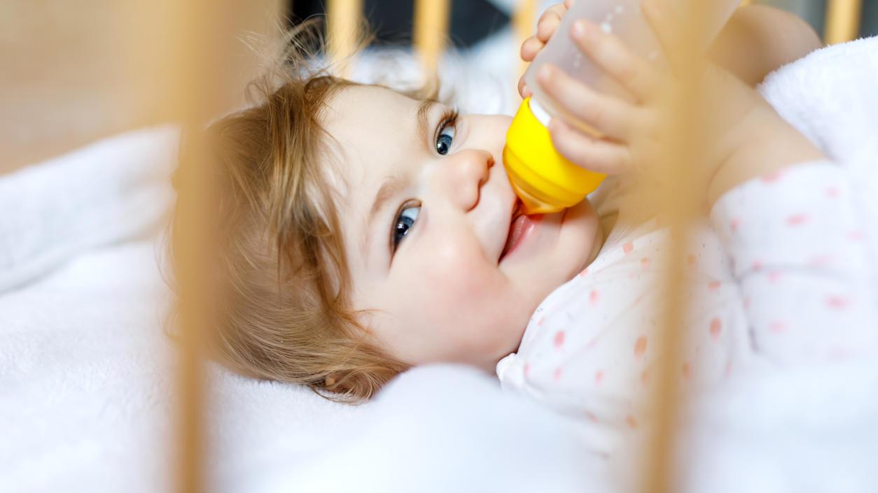 Optimal für Babys ist Muttermilch, Milchpulver ist aber für viele Eltern eine wichtige Alternative.