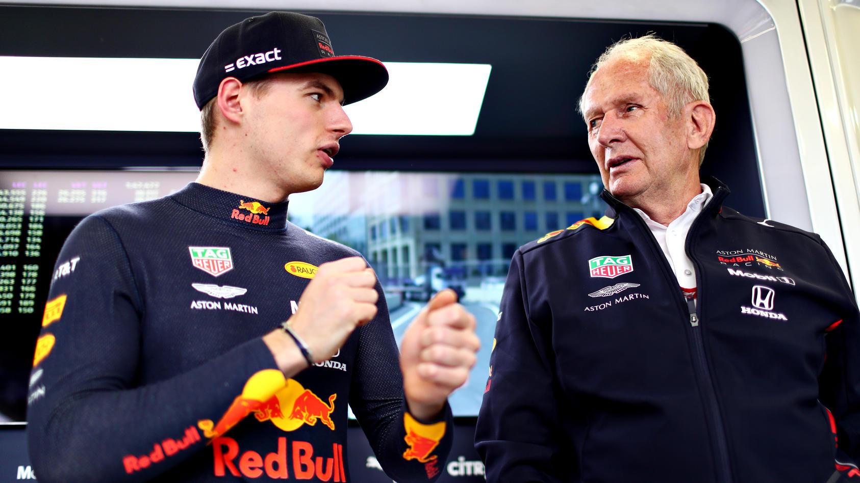 Max Verstappen mit Red-Bull-Berater Helmut Marko
