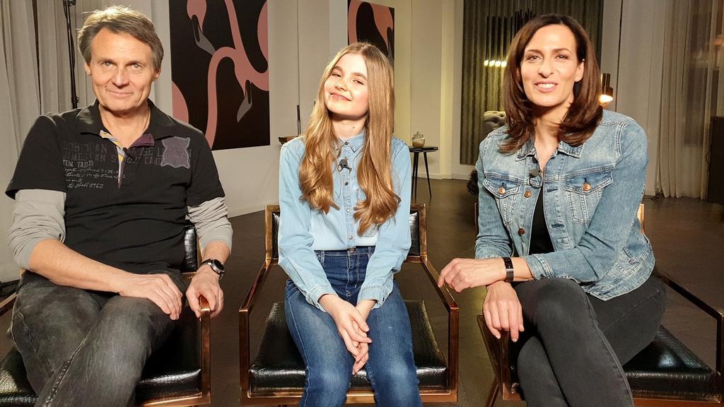 GZSZ: Schauspielerin Charlott Reschke gibt ihr erstes RTL-Interview. Mit dabei Wolfgang Bahro und Ulrike Frank, die bei GZSZ ihre Eltern spielen.