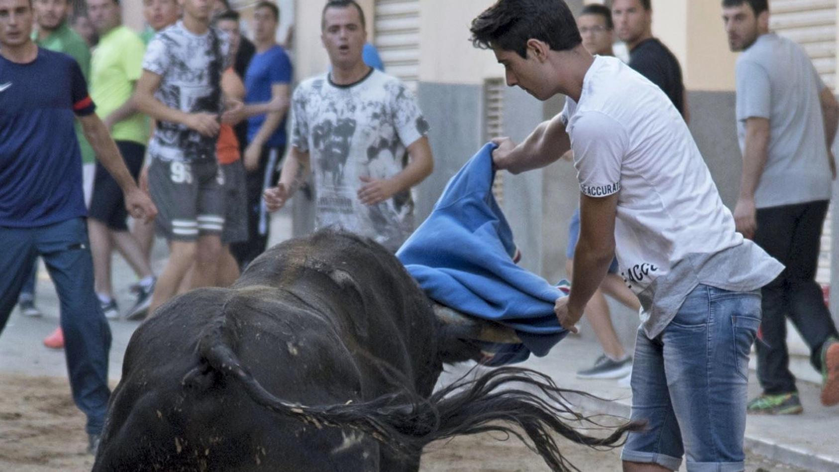 Teenager stirbt bei Stiertreiben in Spanien
