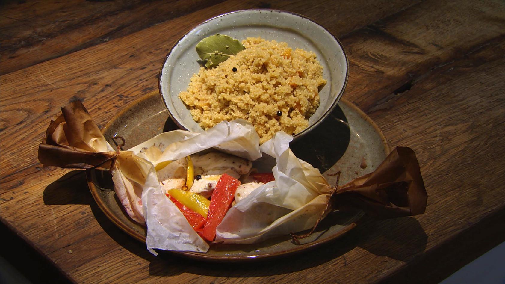 Würz Dir was! Gewürzreise für jeden Geschmack: Hähnchenbrust im Päckchen mit Gewürz-Couscous