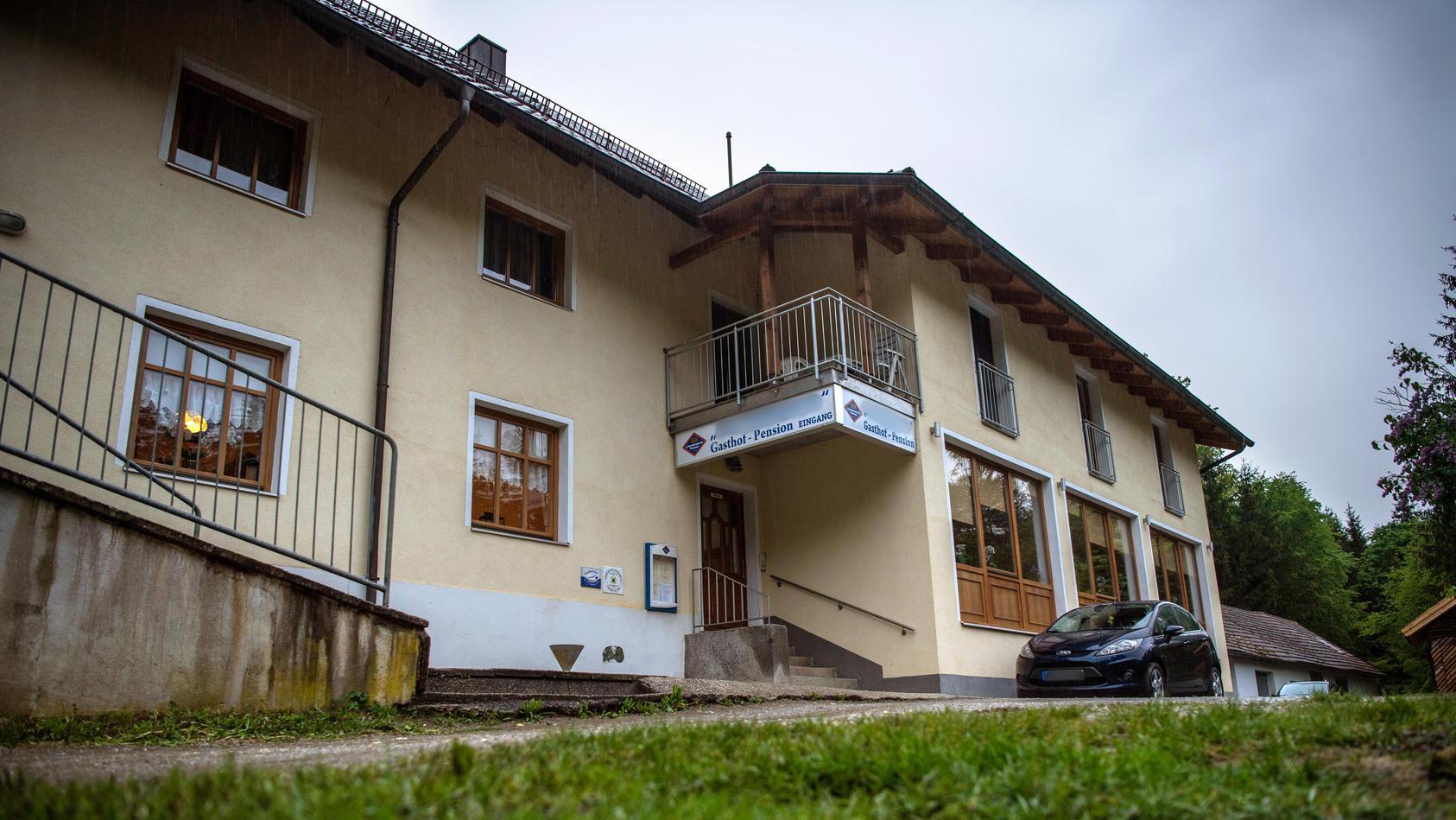 Drei Tote in Gästezimmer in Passau gefunden.