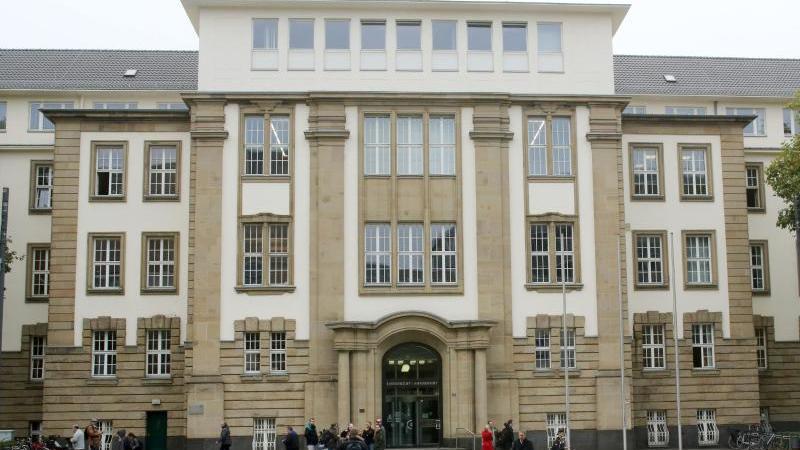 Blick auf das Amts- und Landgericht in Duisburg