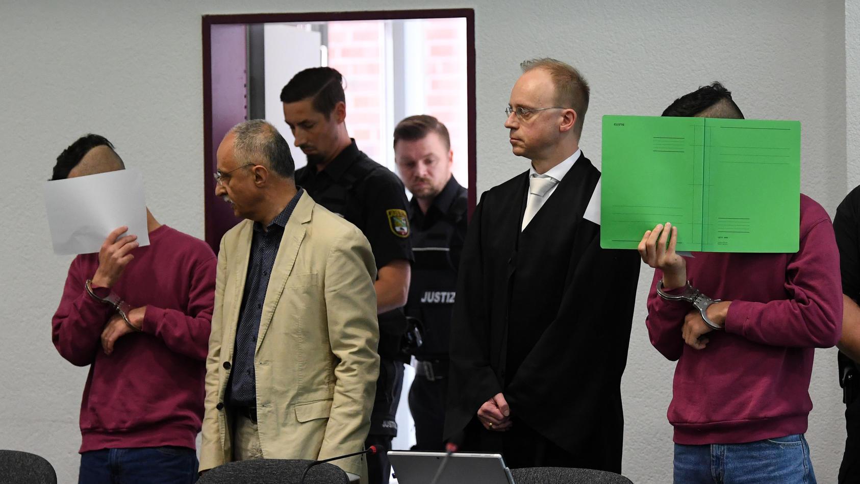 Die beiden Angeklagten im Köthen-Prozess wurden zu Jugendstrafen verurteilt.