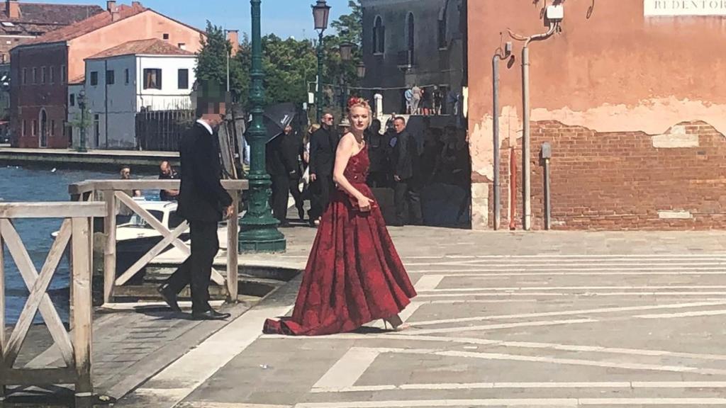 Model Franziska Knuppe bei der Hochzeit von Barbara Meier.