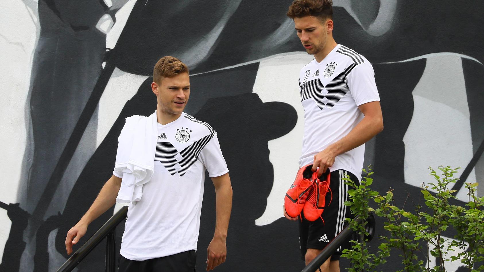 Joshua Kimmich Deutschland Germany und Leon Goretzka Deutschland Germany 03 06 2019 Training