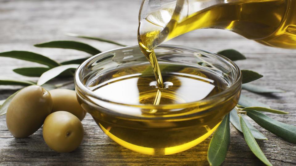 Mit Olivenöl schneler braun werden.