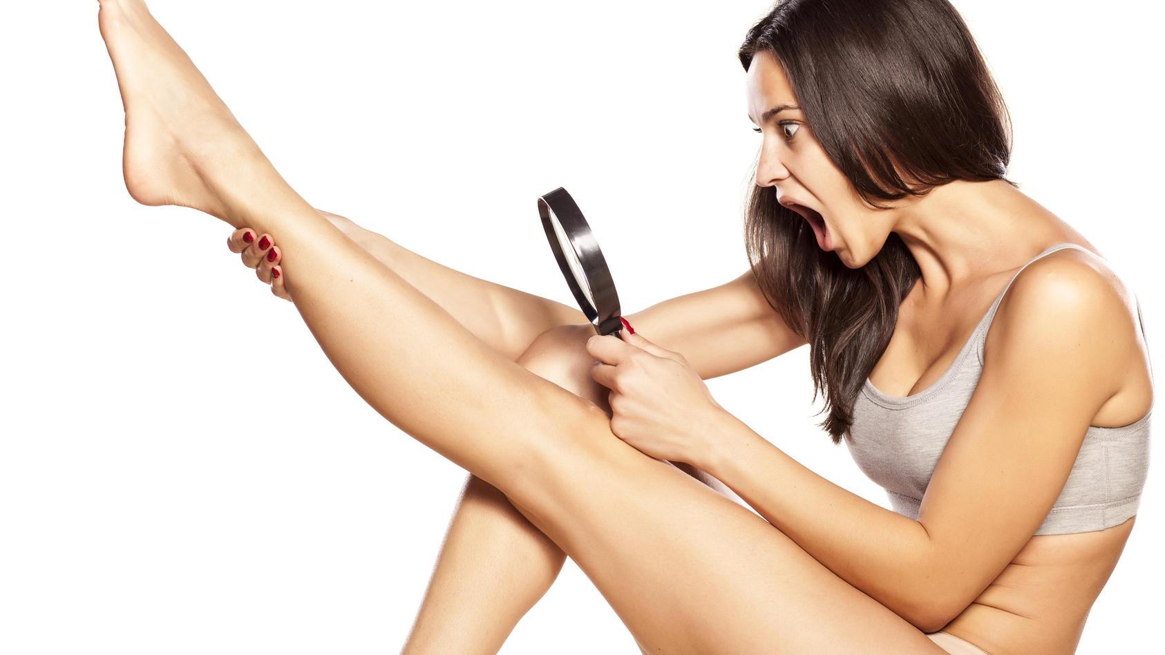 Frisch rasiert und trotzdem dunkle Rasurschatten? Erdbeer-Beine sind lästig - aber vermeidbar!