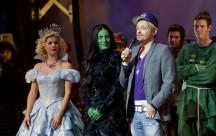 """Rein in die Welt von """"WICKED – Die Hexen von Oz""""."""