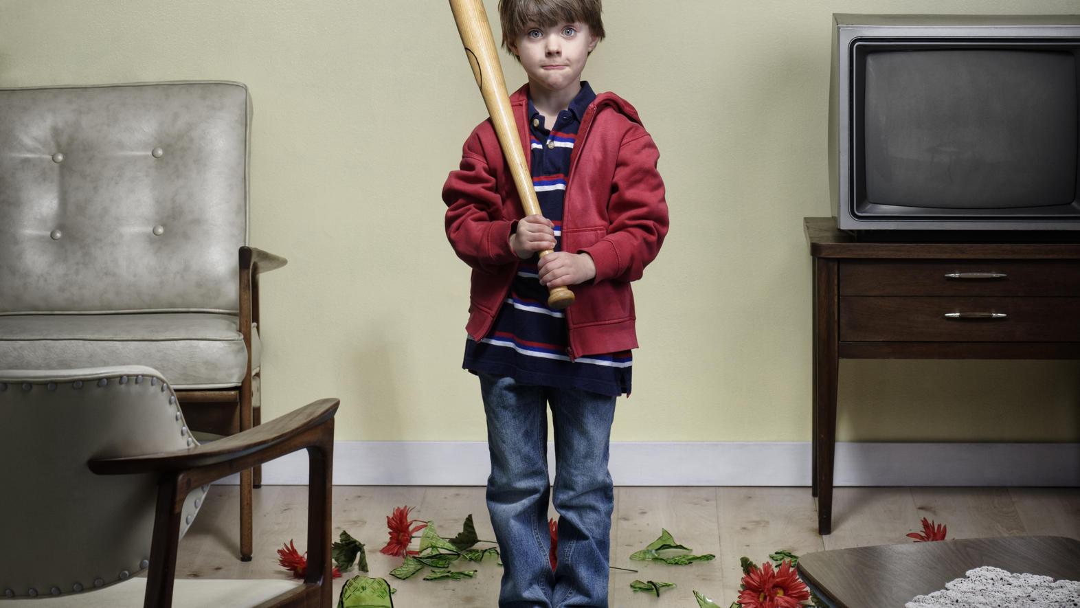 Kurz nicht hingeschaut und schon ist es passiert: Das Kind hat die teure Vase des Nachbarn kaputt gemacht. Wer steht dafür gerade?