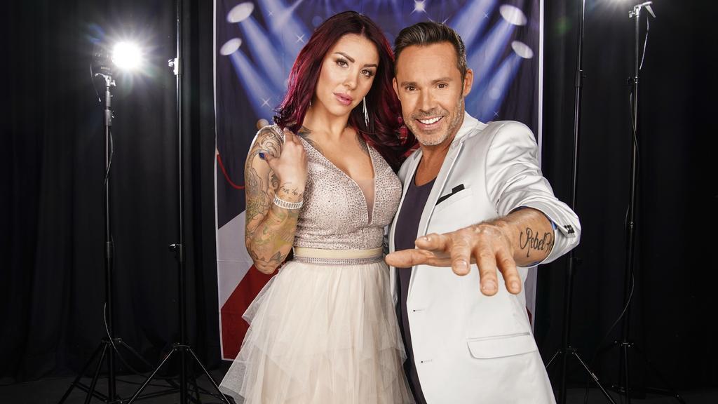 """Model Kate Merlan und Ex-""""Caught In The Act""""-Sänger Benjamin Boyce ziehen in """"Das Sommerhaus der Stars"""" ein."""